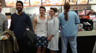 Genovesi in pigiama da Mc Donald's
