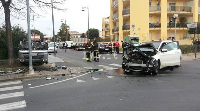 incidente albenga viale 8 marzo