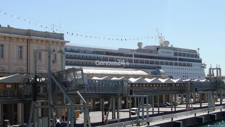 Incidente Msc Sinfonia nel porto di Genova