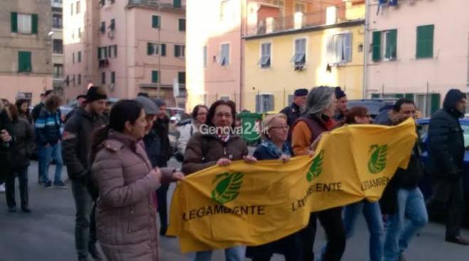 Manifestazione contro i tir a Sestri Ponente