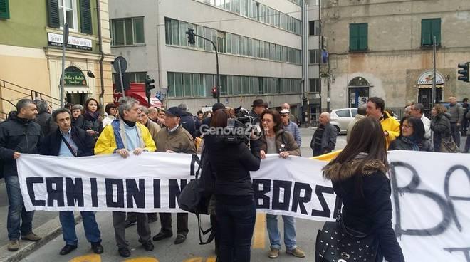 manifestazione sestri ponente tir
