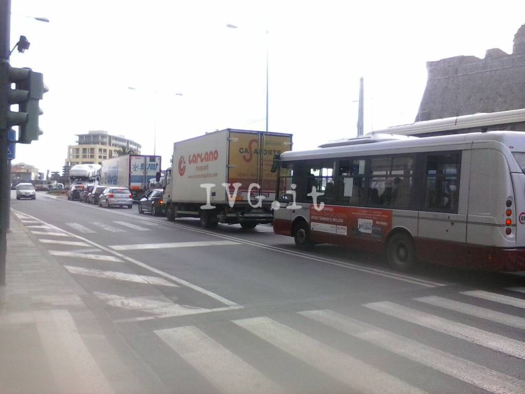 Aurelia chiusa tra Albissola e Savona: traffico in tilt