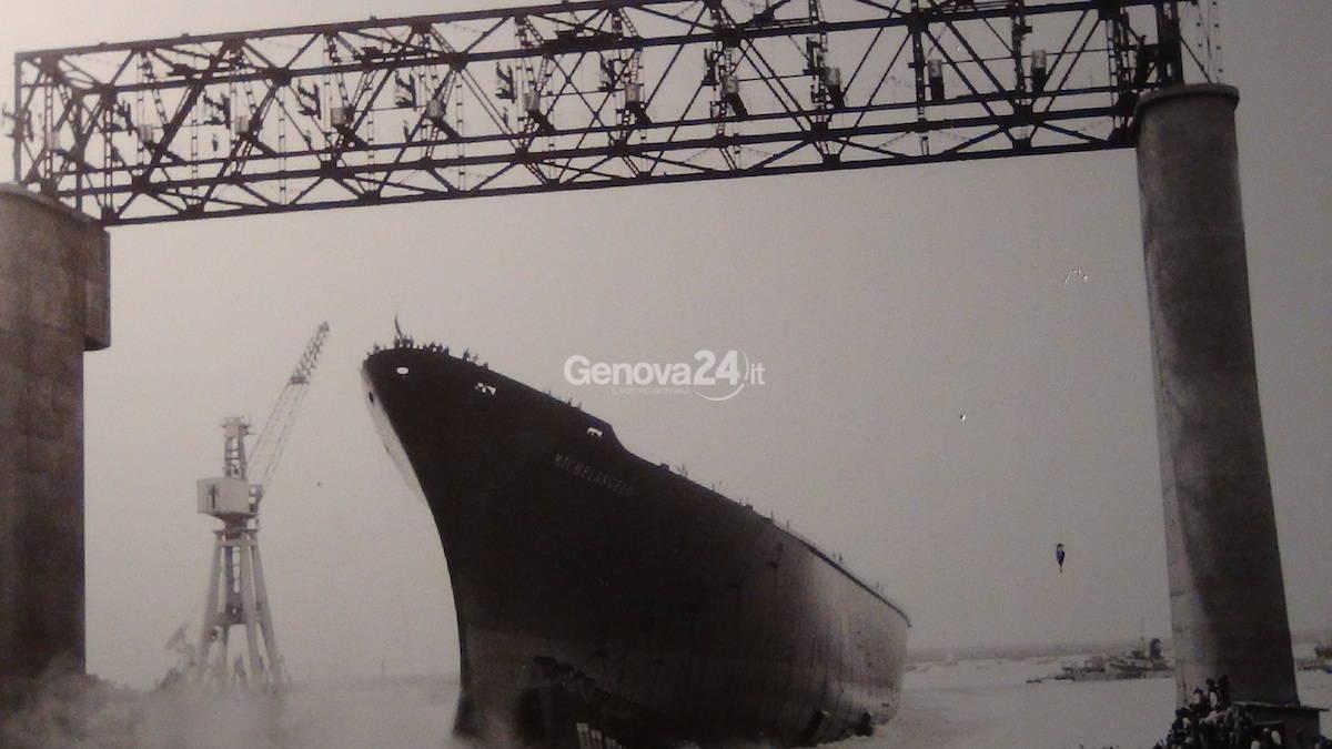 Dal porto al mondo: dalle foto storiche alla nuova torre dei piloti, il terminal genovese in mostra