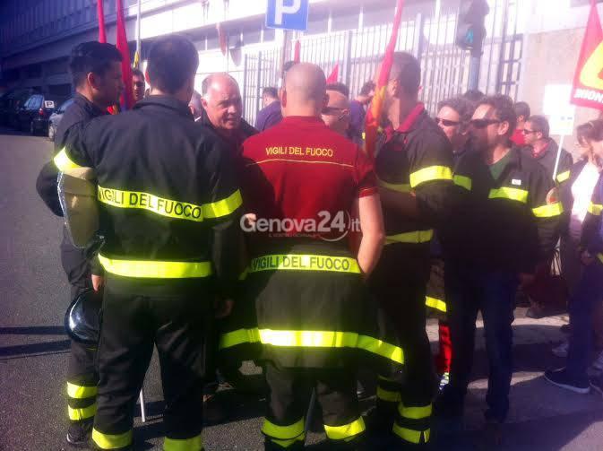 La protesta dei vigili del fuoco