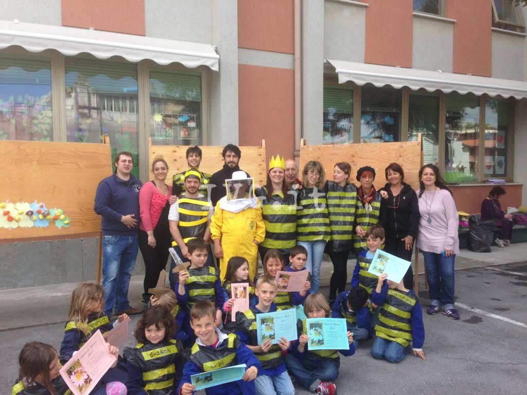 Laigueglia, gli alunni delle Badarò a scuola di apicoltura