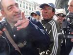 Lega in via Turati: discussione in piazza tra militanti, cittadini e ambulanti