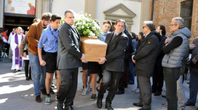 matteo treni funerale