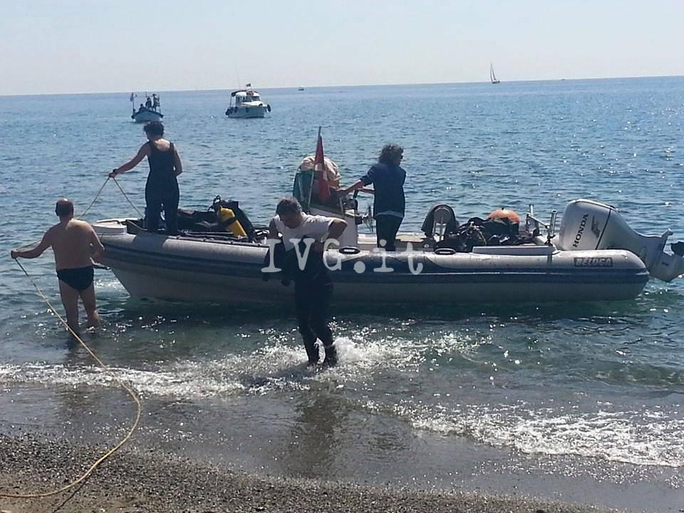 Albissola Marina, le operazioni di pulizia dei fondali