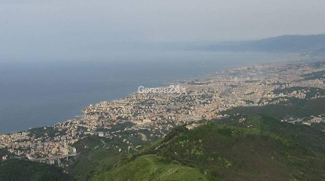 Genova, panorama dal Monte Fasce