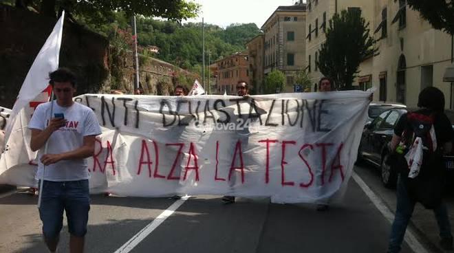 Manifestazione contro il Terzo Valico a Pontedecimo