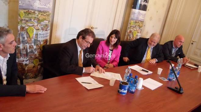 Raffaella Paita firma le proposte di Confartigianato