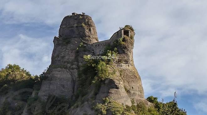 Castello della Pietra a Vobbia