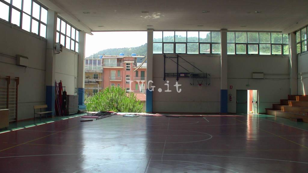 Laigueglia crollo muro scuola