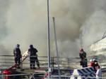 Porto di Genova, yacht in fiamme ai cantieri D'Amico