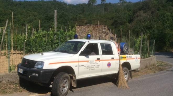 squadra antincendio protezione civile onzo