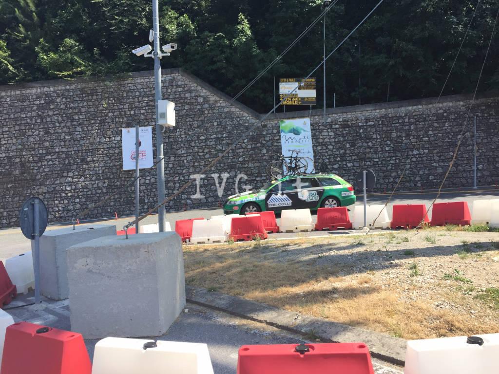 Giro d'Italia Rosa, caos al casello di Finale e traffico bloccato sull'Aurelia
