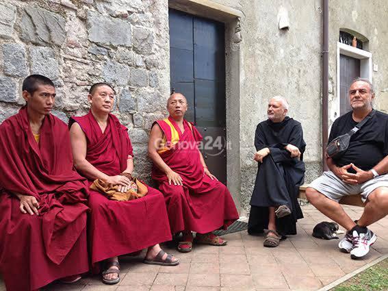 Monaci tibetani all'abbazia di Borzone
