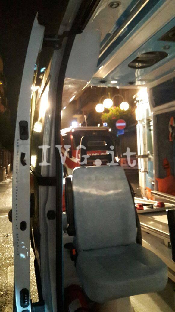 Violento scontro tra auto in viale Europa a Spotorno