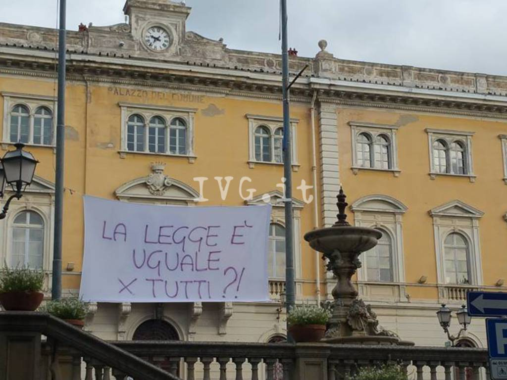 alassio lenzuola protesta