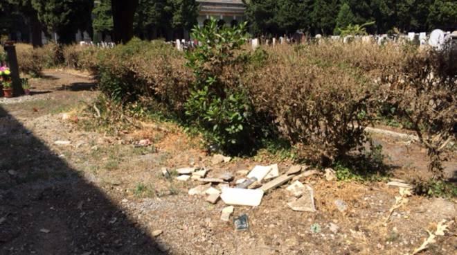 degrado cimitero staglieno