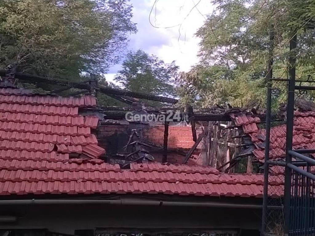 Incendio al circolo di via Coronata