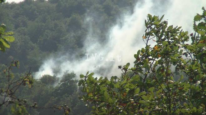 Incendio boschivo a Pontinvrea