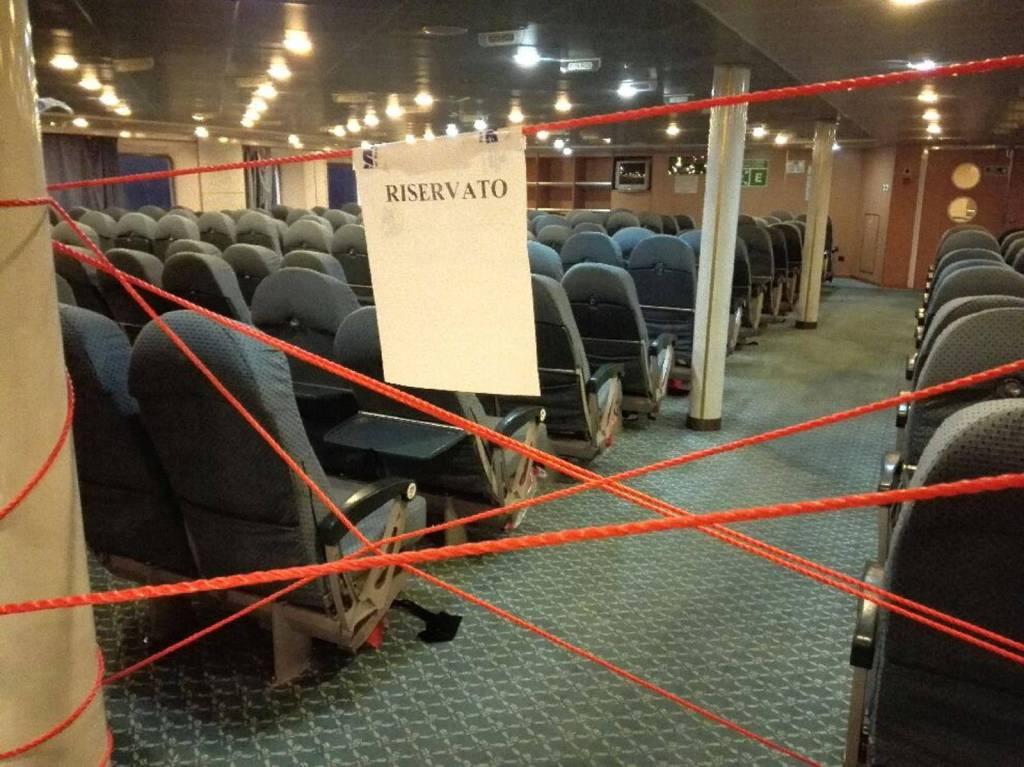 matteo salvini immigrati tirrenia nave