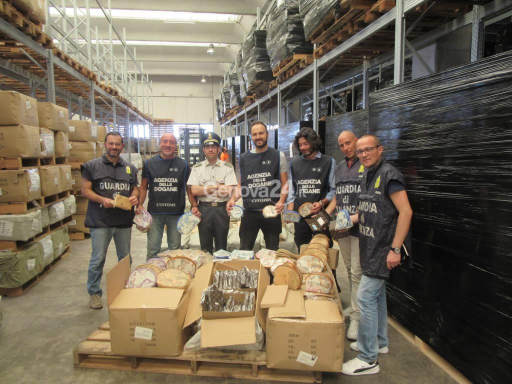 Maxi sequestro di prodotti contraffatti in porto
