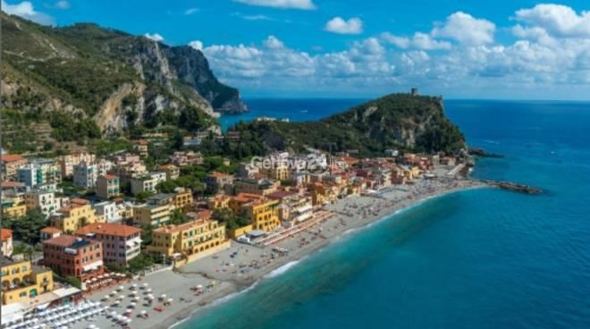 Mostra Merlo Liguria dall'alto