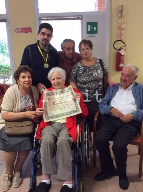 Albenga, la festa dei cent'anni della maestra Teresa Caromia