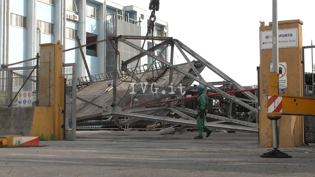 Demolizione del nastro carbone a Vado Ligure