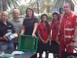 Loano, dalle mance dei camerieri due defibrillatore per la Cri