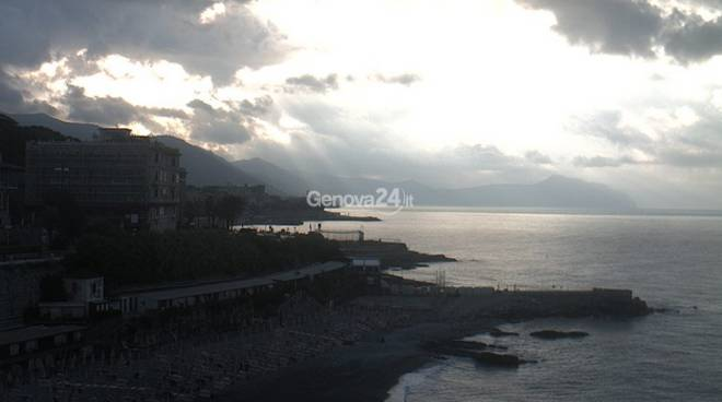 Maltempo, spiaggia di corso Italia