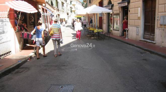 Parte pedonale di via Mameli a Rapallo