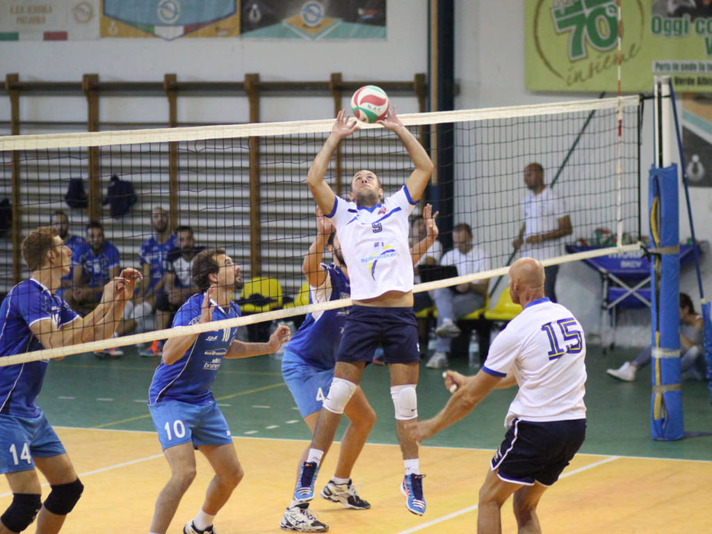 Spinnaker Volley