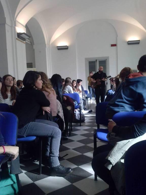 """""""Giornata proGrammatica"""": Zibba prof al liceo Chiabrera-Martini di Savona"""