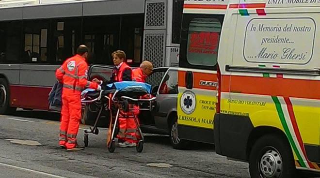 incidente autobus savona