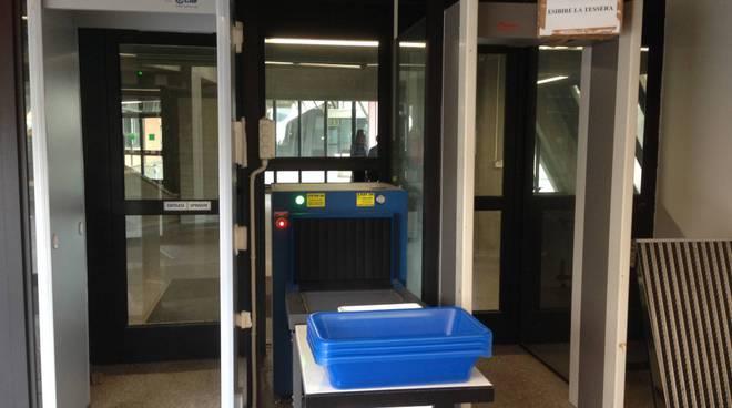 metal detector tribunale