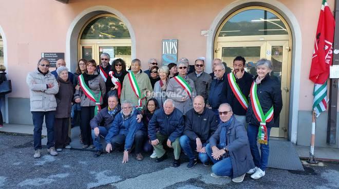 Protesta contro la chiusura dell'ufficio Inps di Teglia