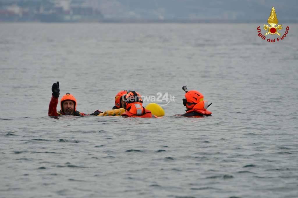 Vigili del fuoco salvataggio in mare