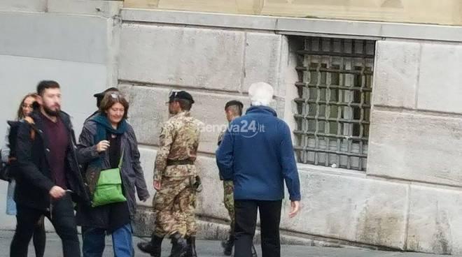 Attentato a Parigi: militari presidiano Genova
