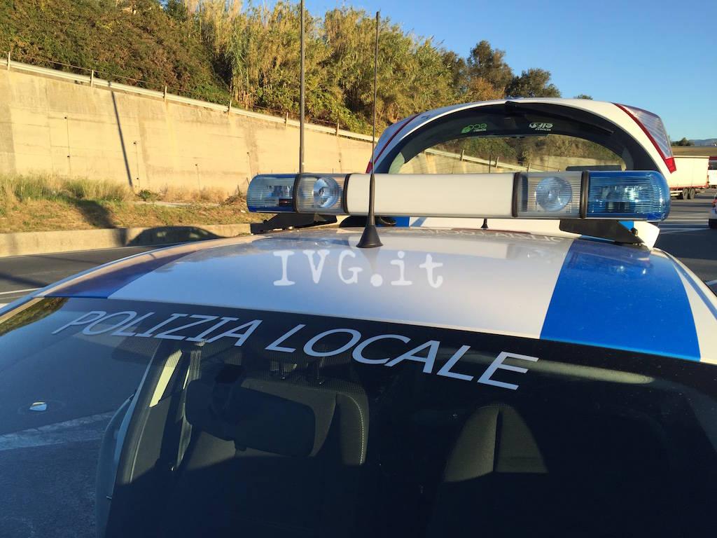 auto moto polizia municipale savona