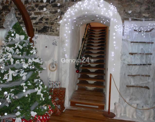 Castello e casetta di Babbo Natale a Camogli