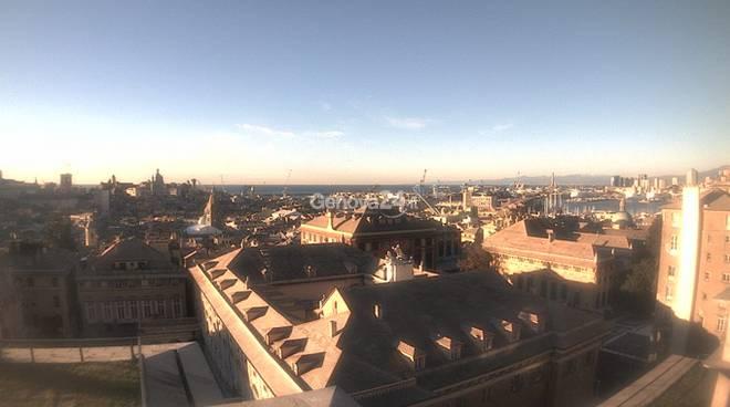 Il centro di Genova con il sole