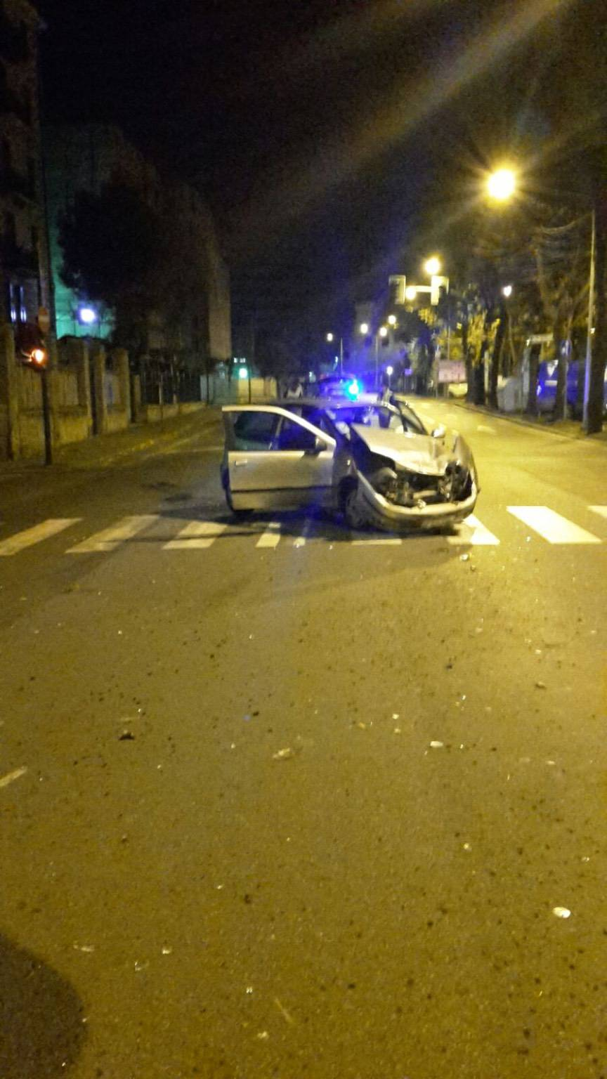 incidente notte polizia stradale