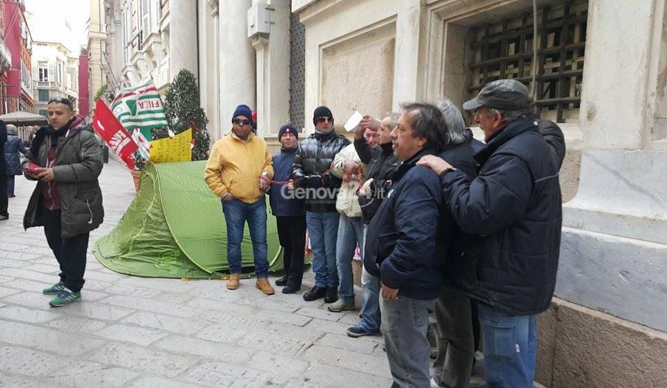 Appalti Iren: lavoratori di Coget incatenati a Tursi