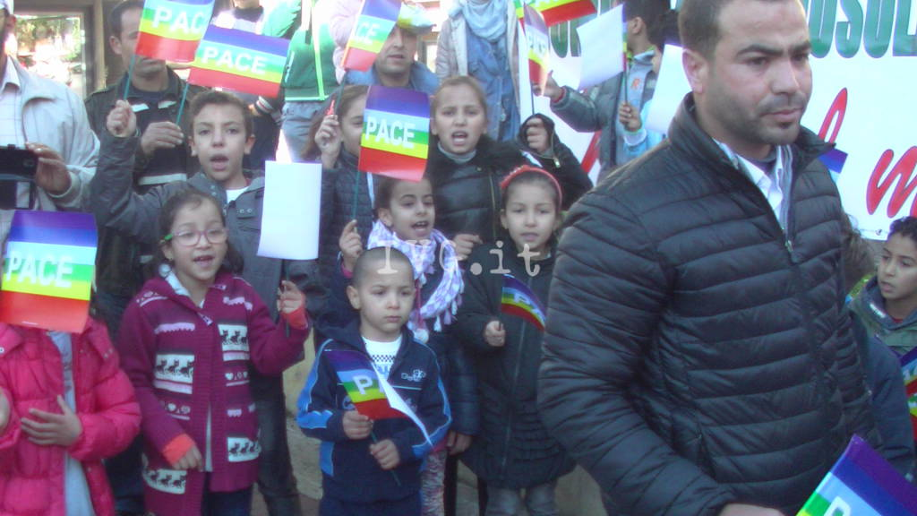 No all'Isis, no al terrorismo, la manifestazione di Albenga