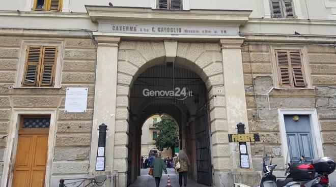 Allarme bomba all'ex caserma Gavoglio, chiusa via Del Lagaccio