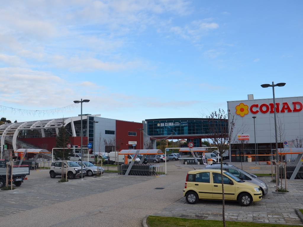 centro commerciale Toirano