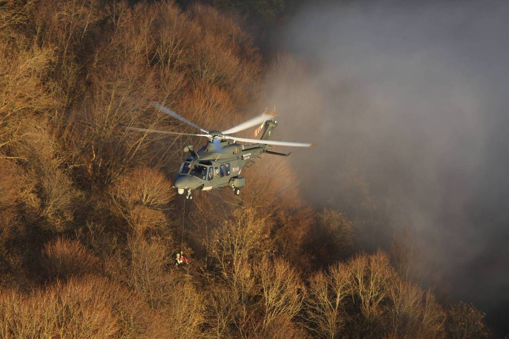 L'aeronautica militare si addestra in Riviera